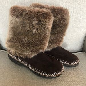 Isotoner Dark Brown Faux Fur Boot Slippers